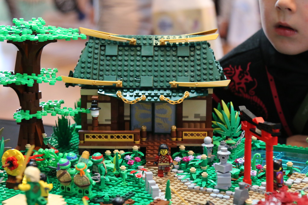 Brickvention 2016 - Japanese Spring Village by the TanTile Family Hut