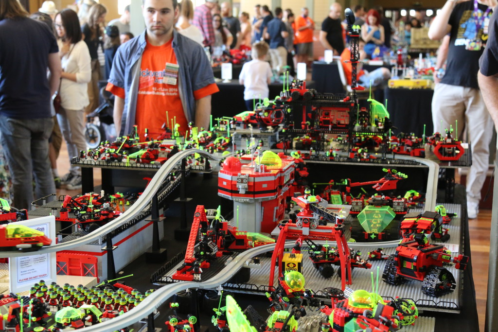 Brickvention 2016 - M-Tron Fly In Base