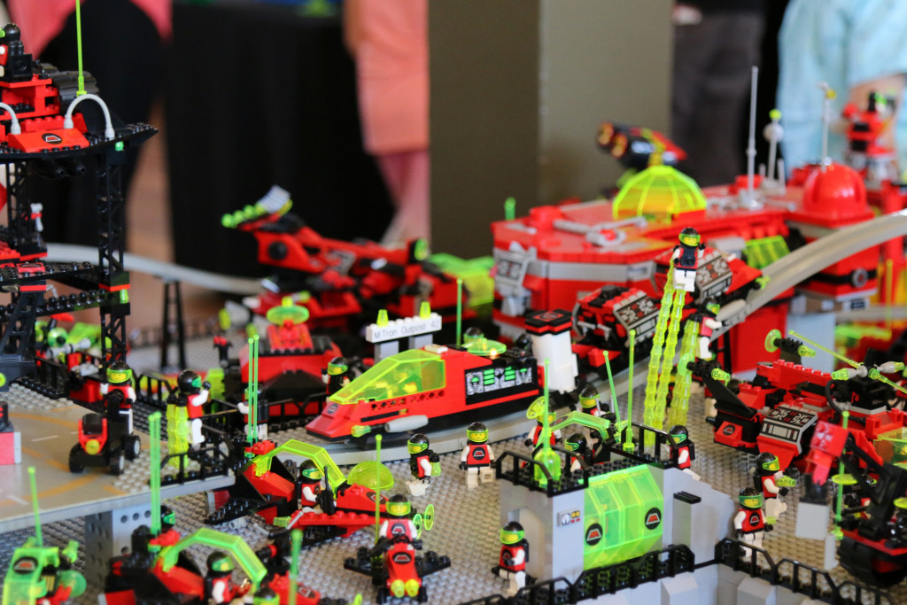 Brickvention 2016 - M-Tron Fly In Base 2