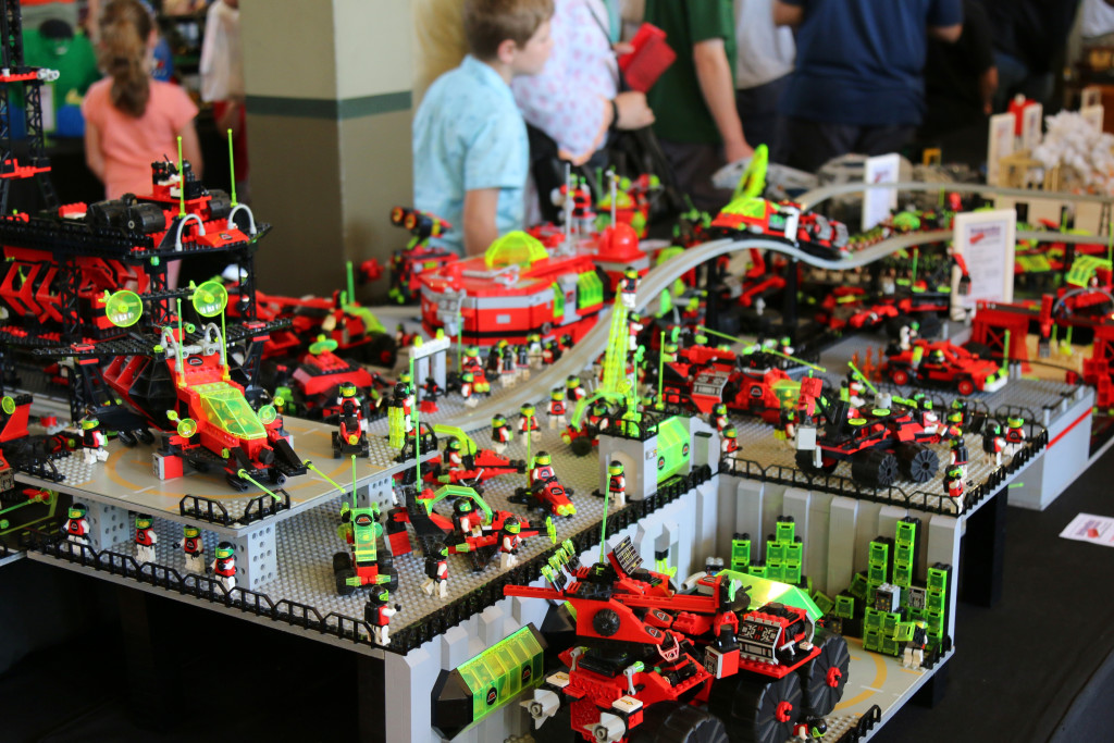 Brickvention 2016 - M-Tron Fly In Base 3