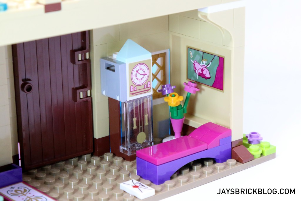 LEGO 41068 Frozen Arendelle Castle Celebration - Interior Clock and Painting