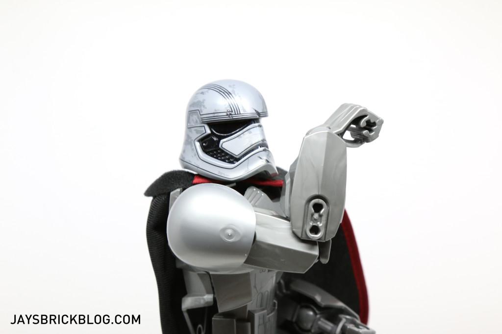 LEGO 75118 Captain Phasma Buildable Figure - Flexing