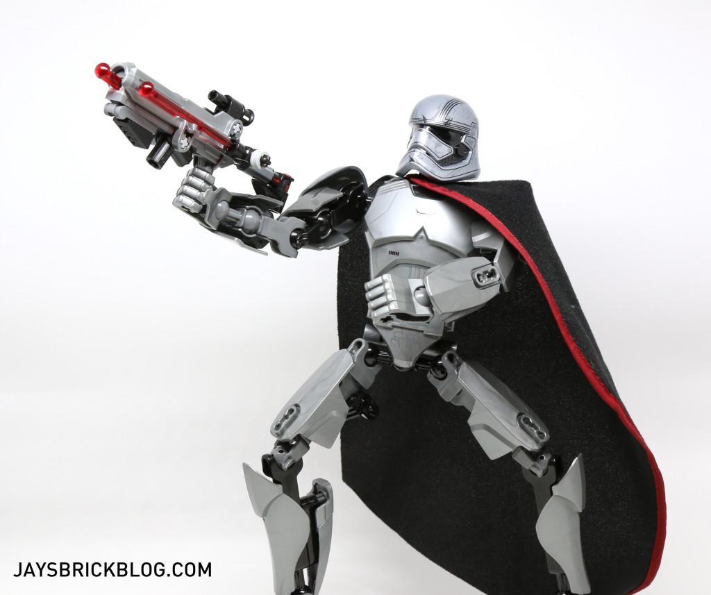 LEGO 75118 Captain Phasma Buildable Figure - Posing