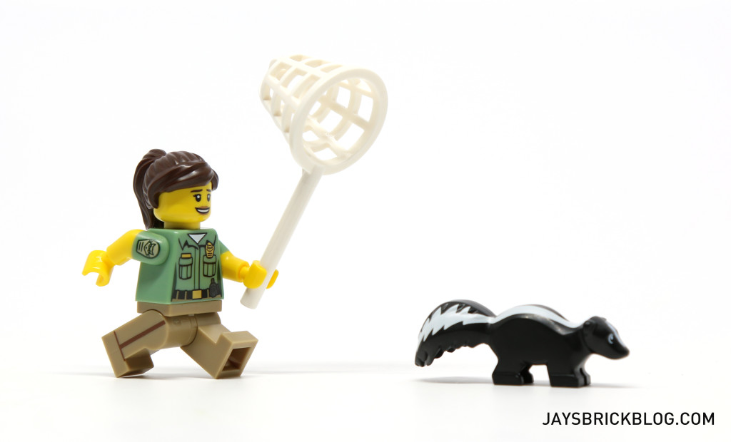 LEGO Minifigures Series 15 - Animal Control Chasing Skunk