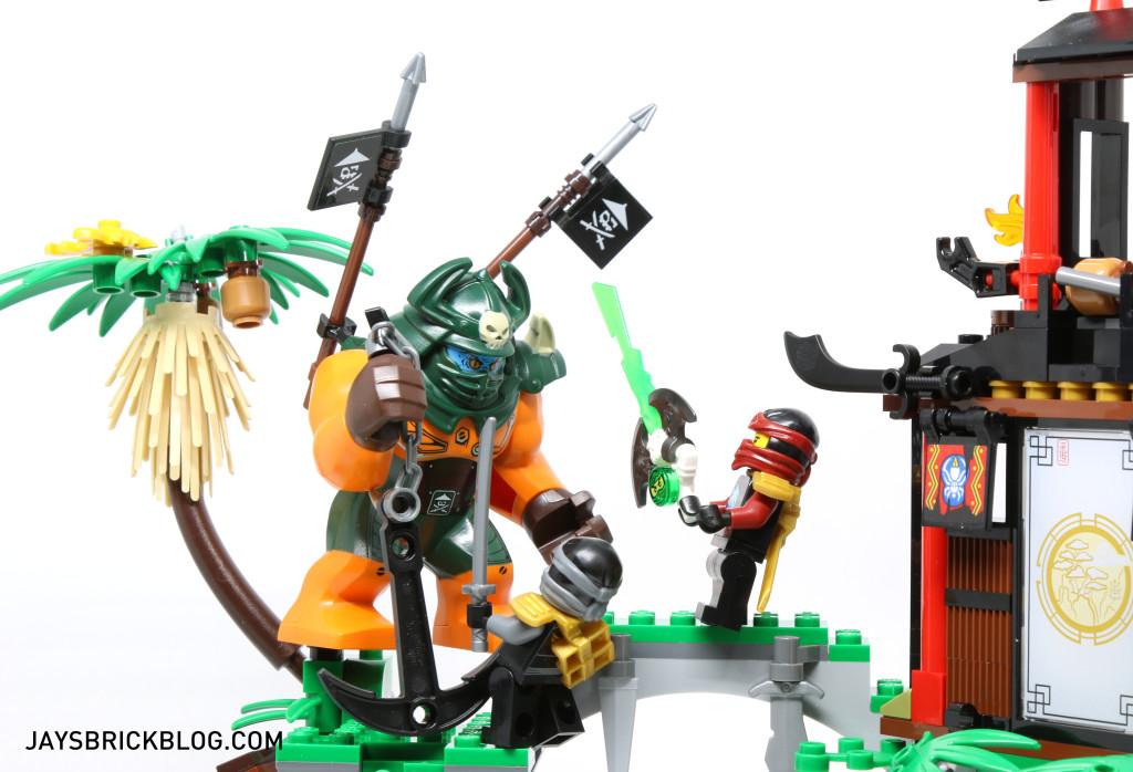 LEGO 70604 Tiger Widow Island - Dogshank vs Nya and Cole