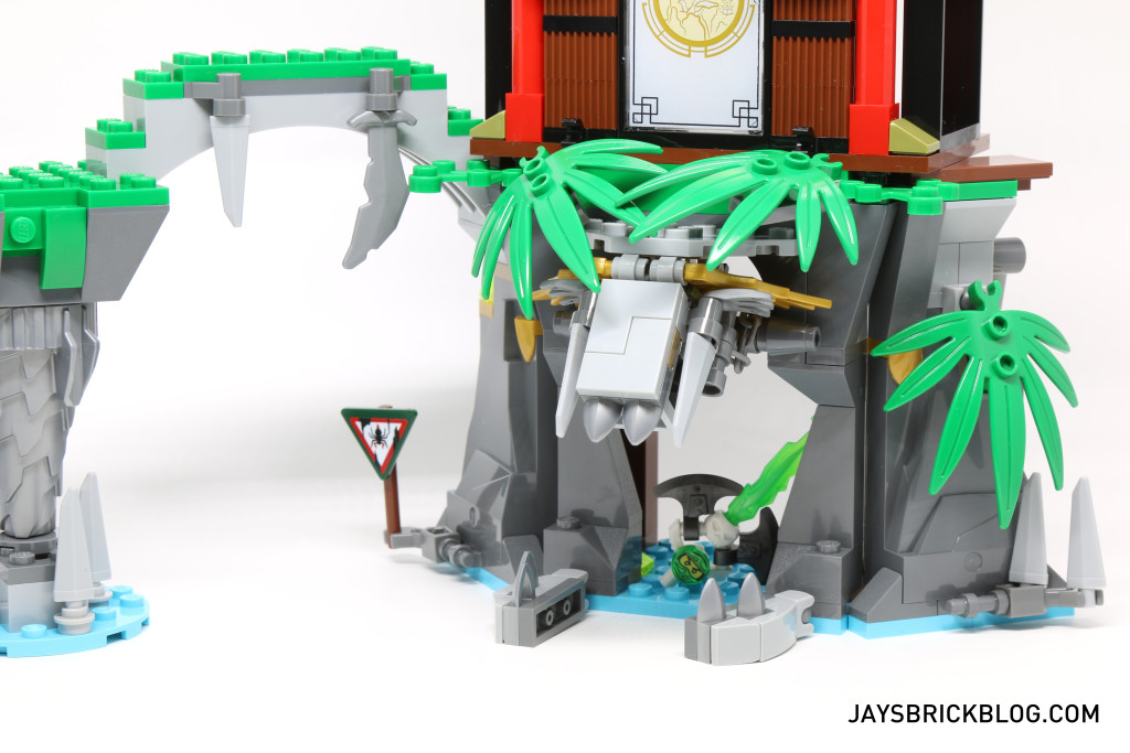 LEGO 70604 Tiger Widow Island - Open Mouth Cave