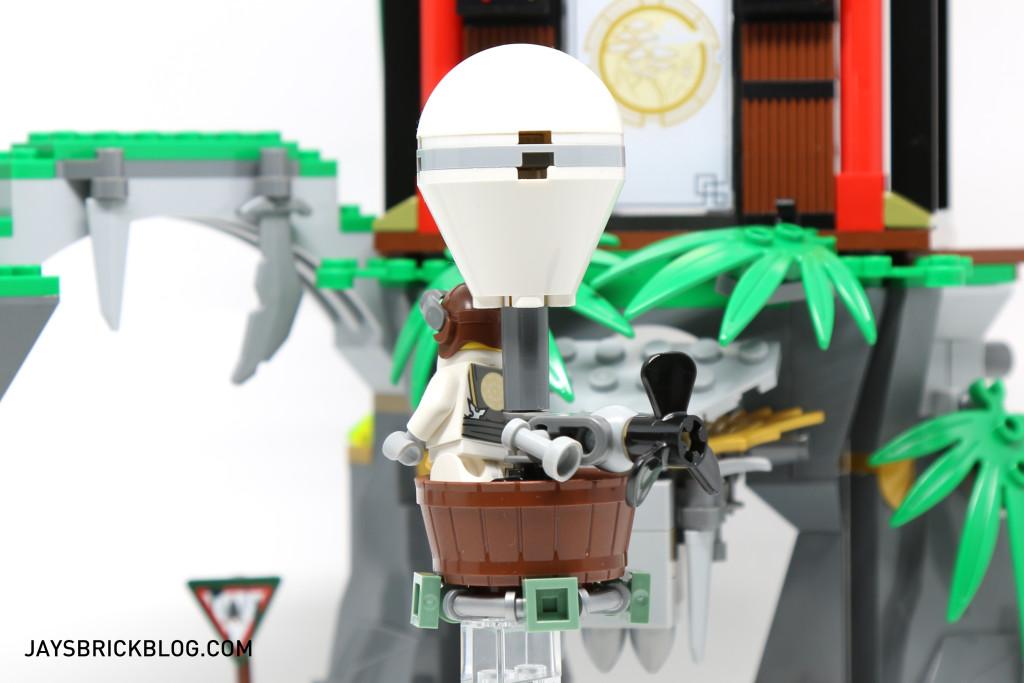 LEGO 70604 Tiger Widow Island - Sensei Wu Hot Air Balloon Back