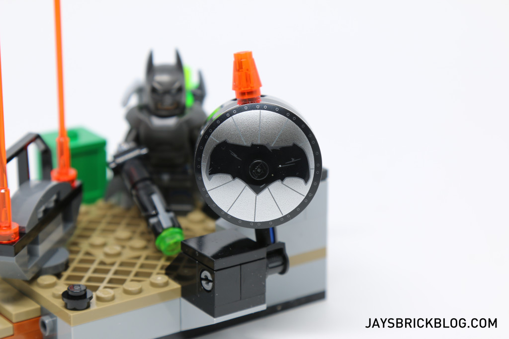 LEGO 76044 Clash of the Heroes - Bat Signal