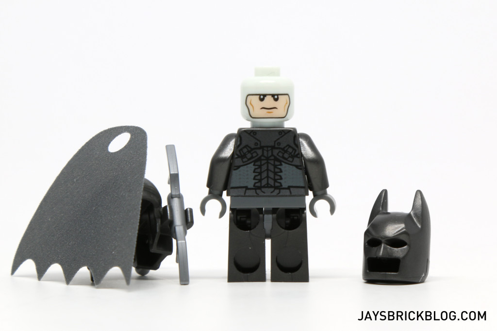 LEGO 76044 Clash of the Heroes - Batman Minifig Back Printing