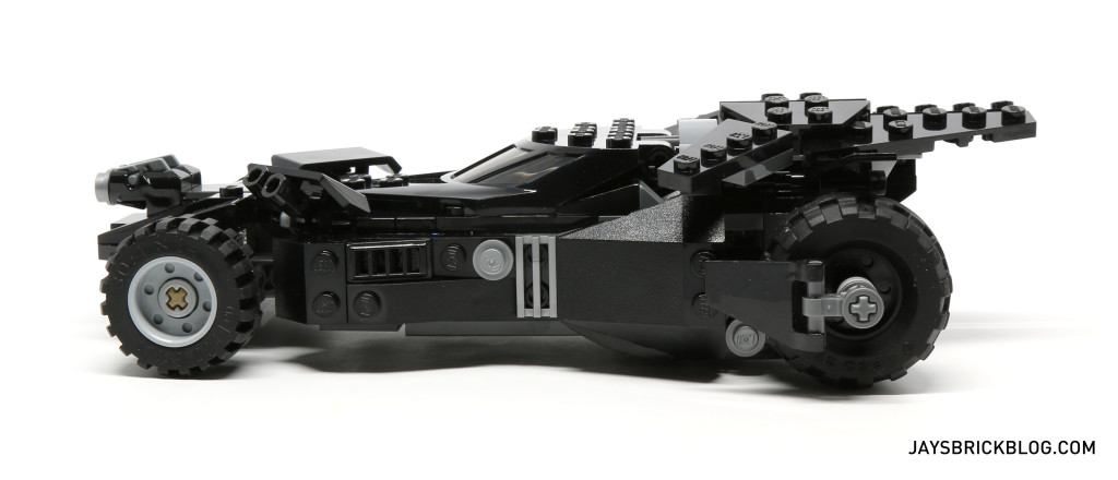 LEGO 76045 Kryptonite Interception - Batmobile Side View
