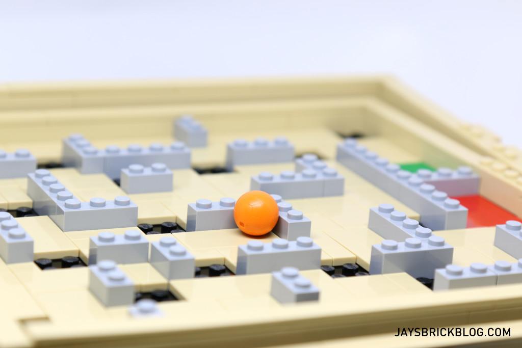 LEGO 21305 Ideas Maze - Ball in Maze
