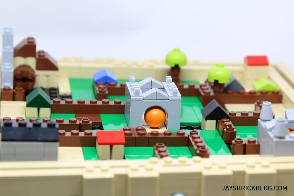 LEGO 21305 Ideas Maze - Ball in Medieval Maze