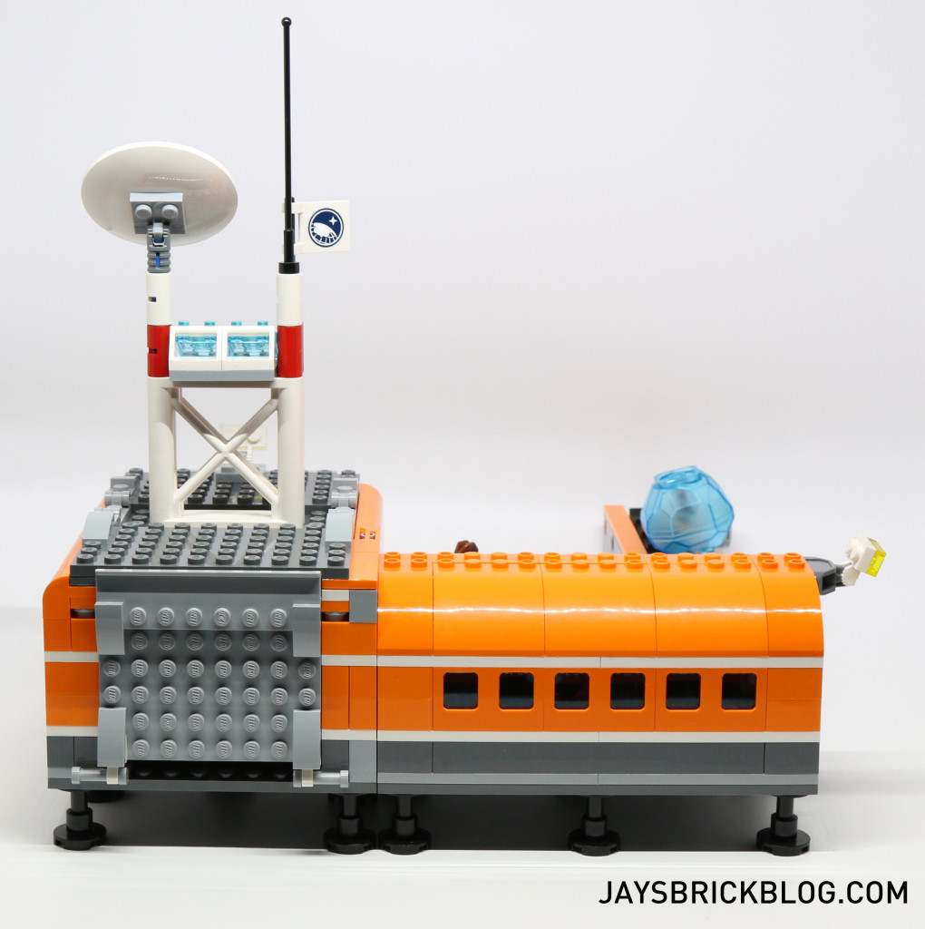 LEGO 60036 Arctic Base Camp - Back View