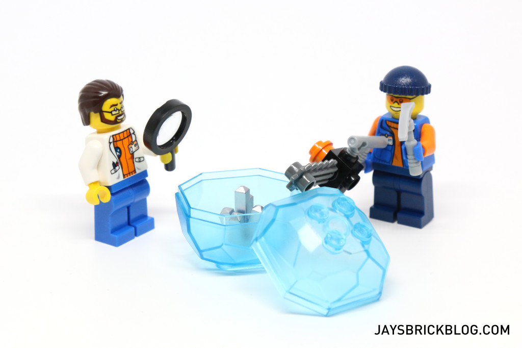 LEGO 60036 Arctic Base Camp - Cutting Open Ice Crystal