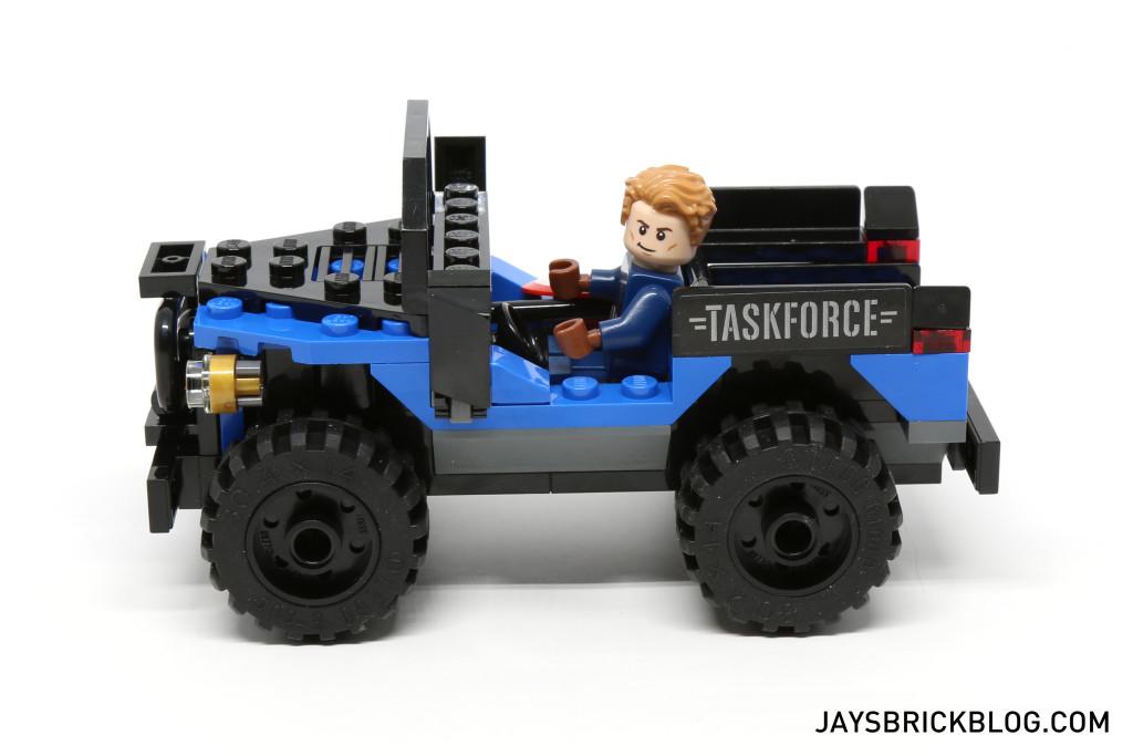 `LEGO 76047 Black Panther Pursuit - 4x4 Side View