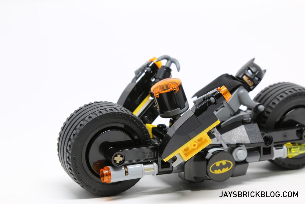 LEGO 76053 Gotham City Cycle Chase - Back Stud Shooters Deployed