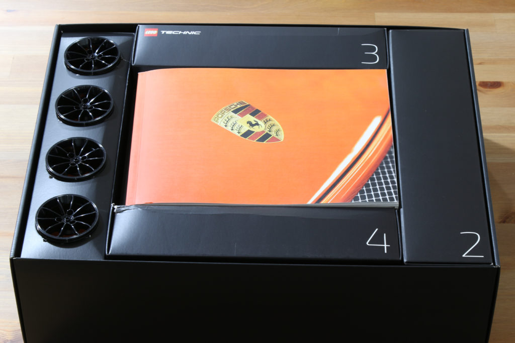 LEGO 42056 Technic Porsche 911 GT3 RS - Box Contents