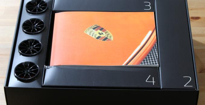 Unboxing the LEGO Technic 42056 Porsche 911 GT3 RS