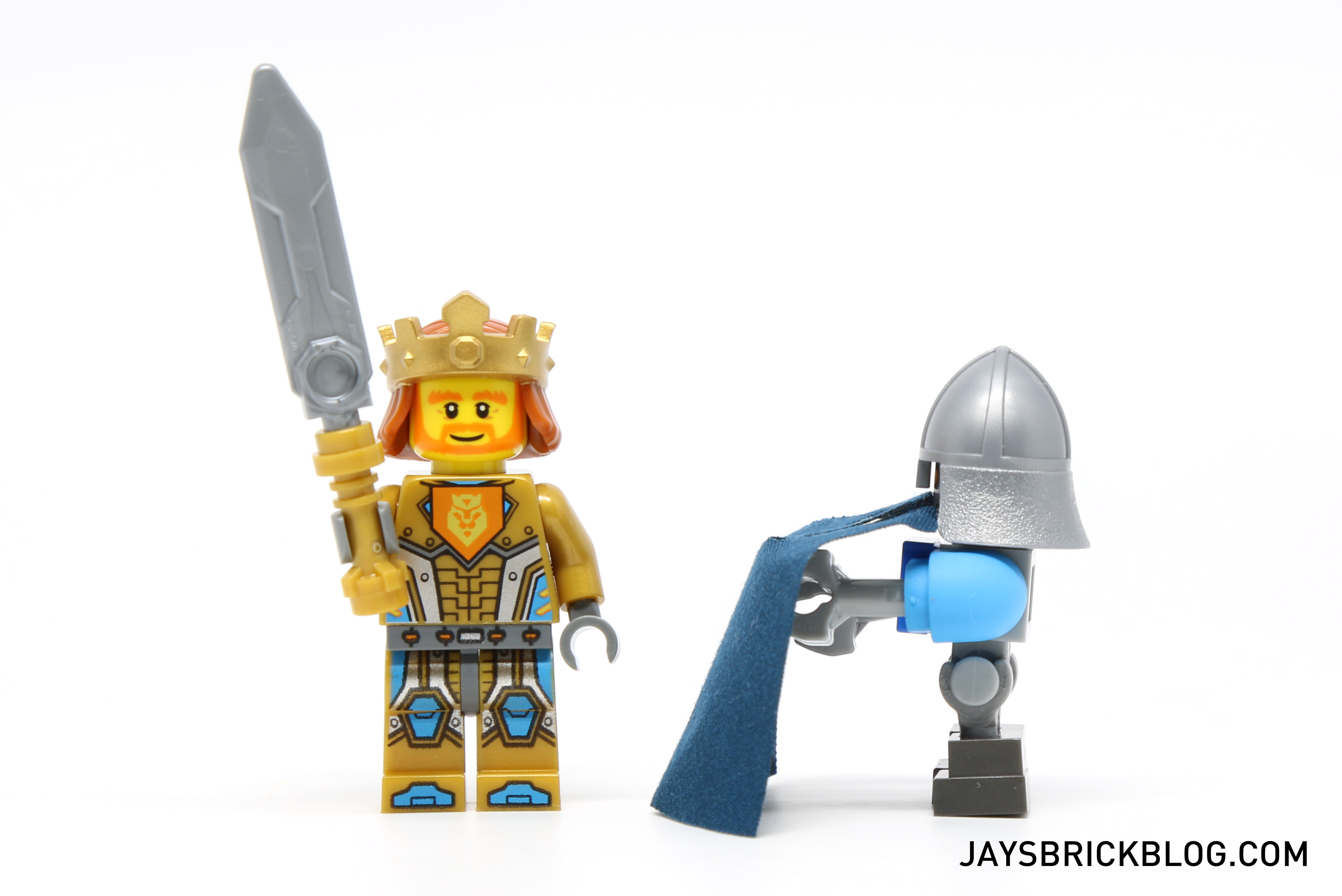 how to get a lego head out of a helmet