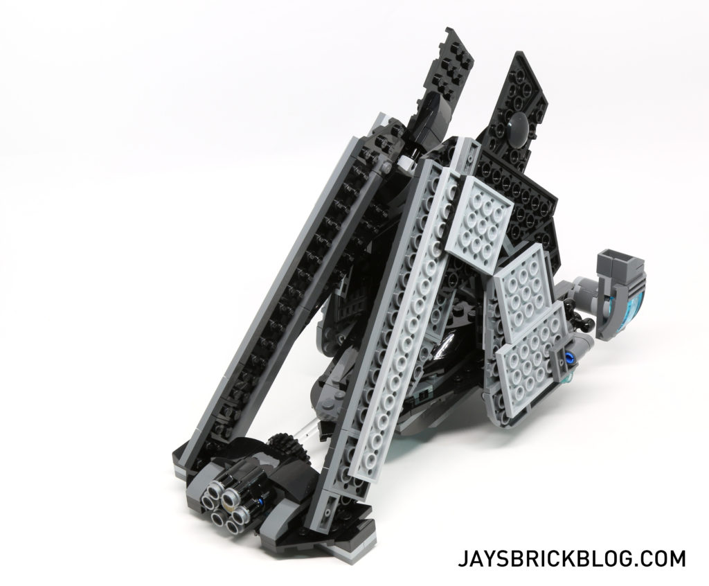 LEGO 76046 Heroes of Justice Sky High Battle - Batwing Landing Mode