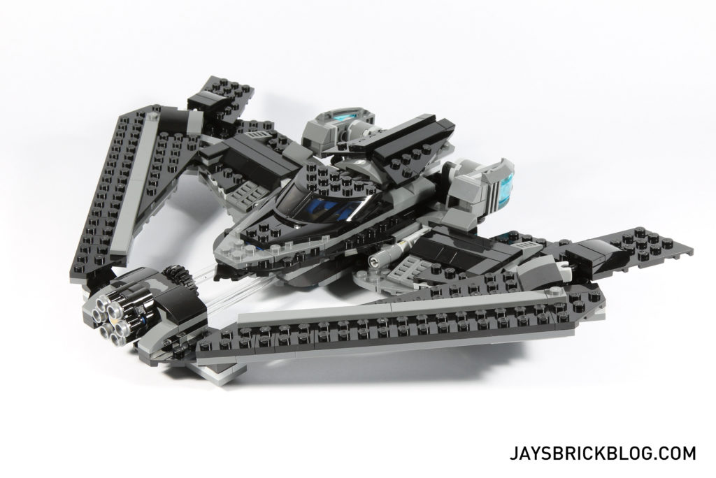 LEGO 76046 Heroes of Justice Sky High Battle - Batwing Side View