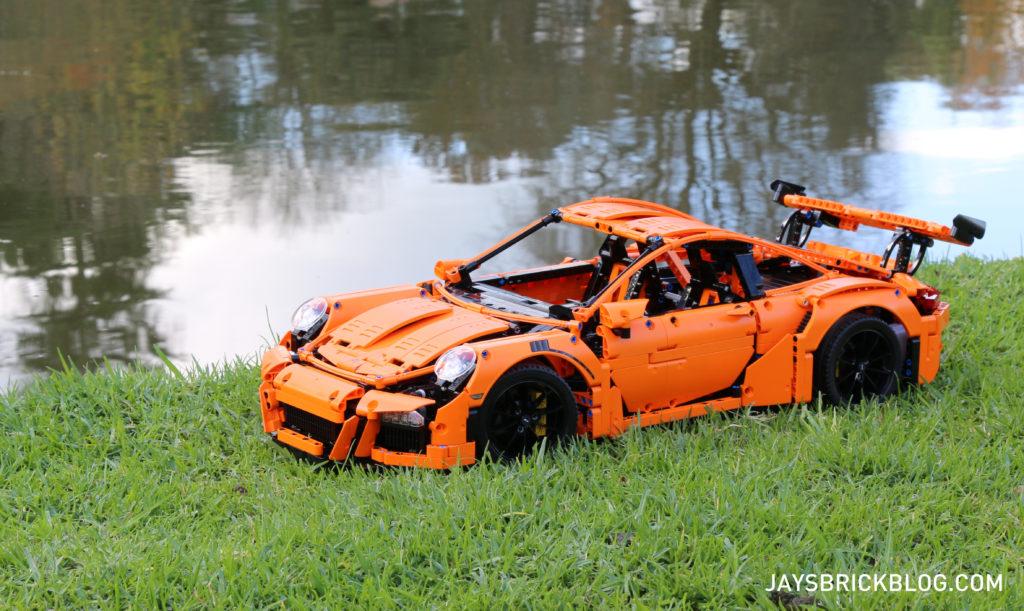 LEGO 42056 Technic Porsche 911 - Angle View