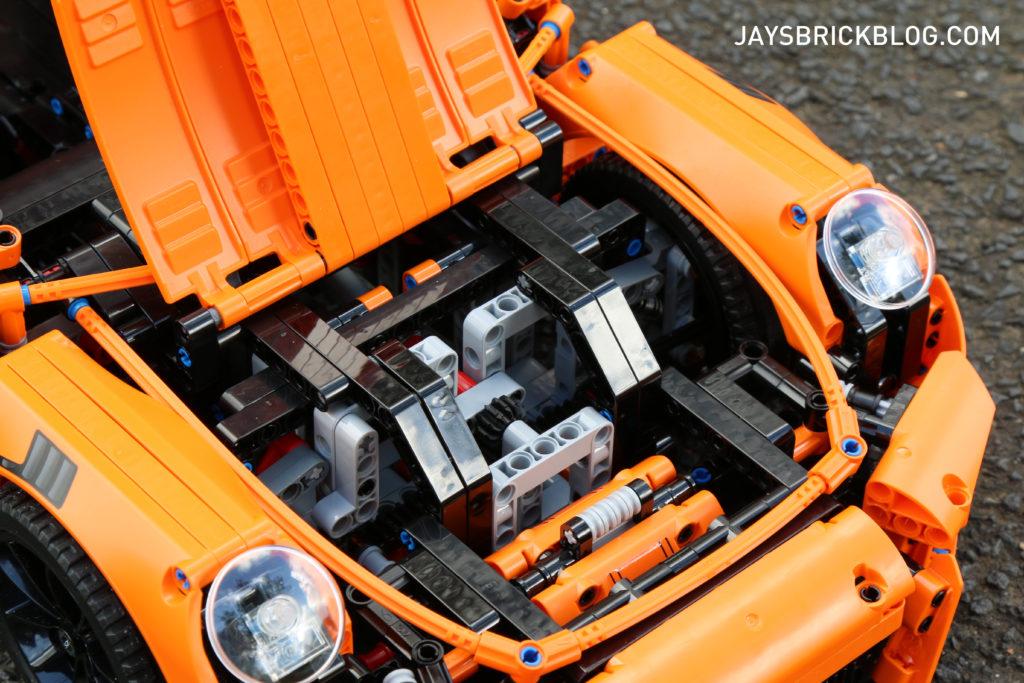 LEGO 42056 Technic Porsche 911 - Bonnet