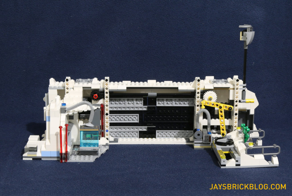 LEGO 75098 Assault on Hoth - Blast Doors Back View