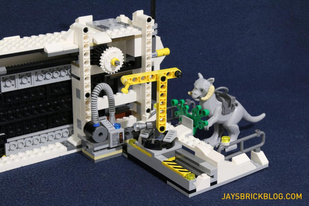 LEGO 75098 Assault on Hoth - Tauntaun Stall