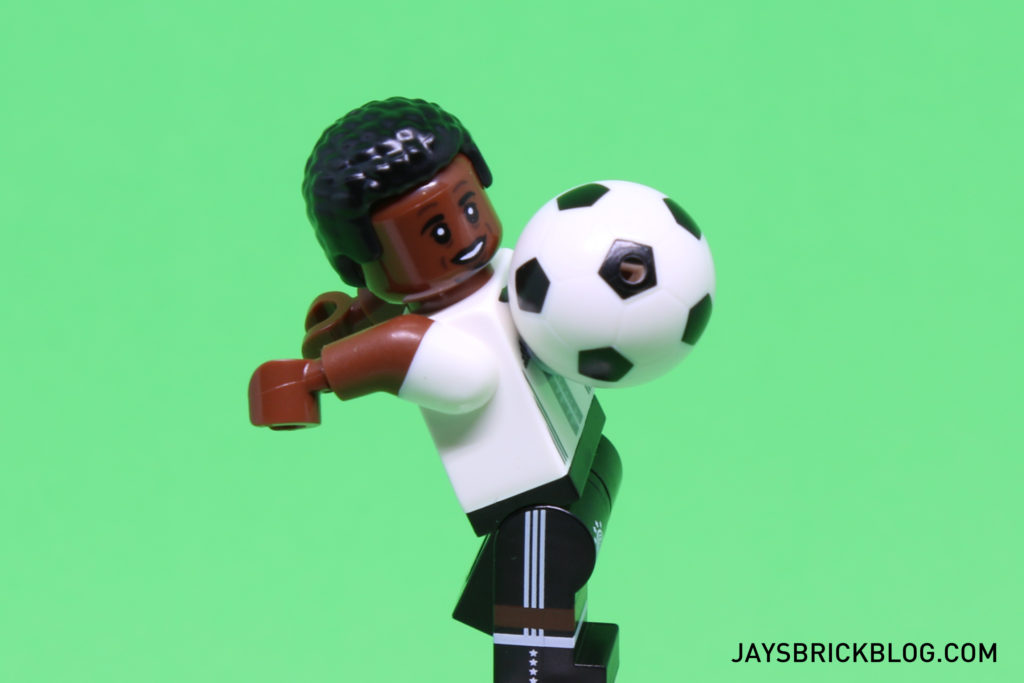 LEGO German Football Minifigures - Chest the Ball