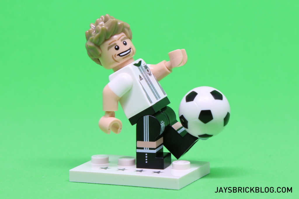 LEGO German Football Minifigures - Kicking the ball