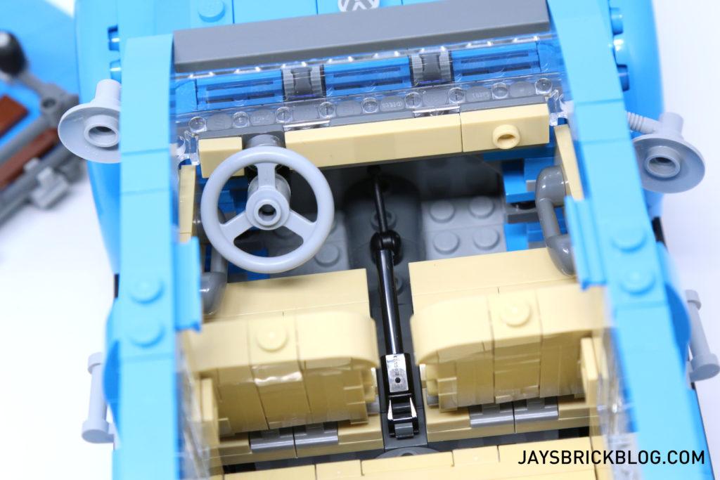 LEGO 10252 Volkswagen Beetle - Interior