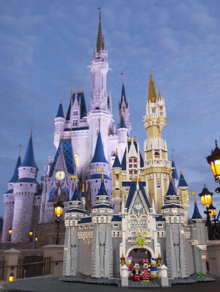LEGO 71040 Disney Castle - Disneyland Castle
