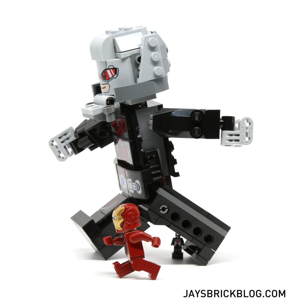 LEGO 76051 Super Hero Airport Battle - Giant Man Articulation