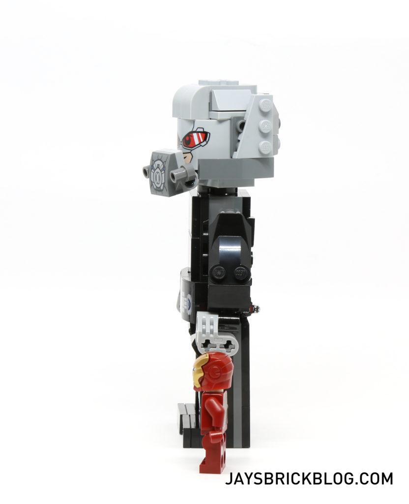 LEGO 76051 Super Hero Airport Battle - Giant Man Side