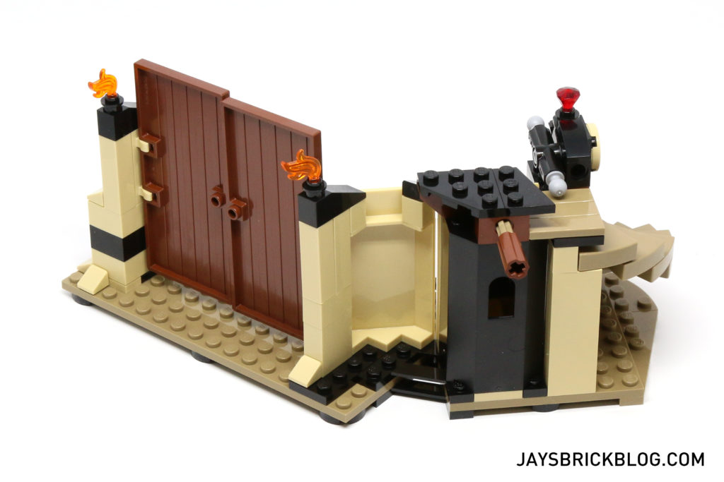 LEGO 76056 Rescue from Ra's Al Ghul - Hideout Back View