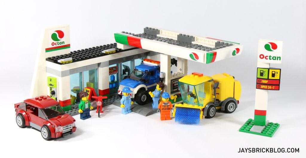 review lego 60132 service station. Black Bedroom Furniture Sets. Home Design Ideas