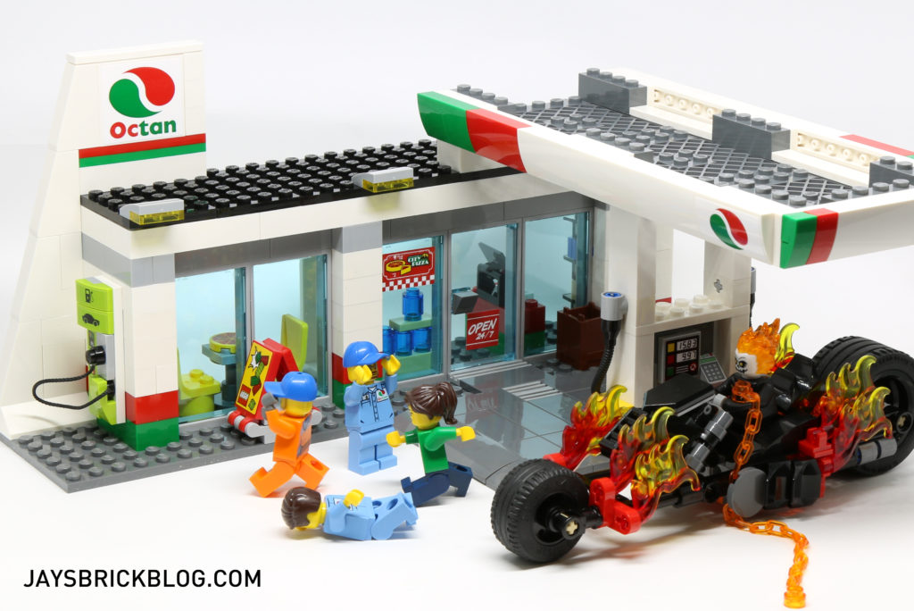 LEGO 60132 Service Station - Ghostrider Filling Up