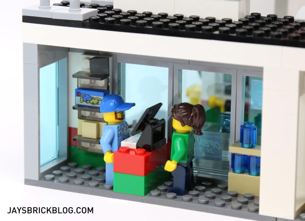LEGO 60132 Service Station - Shop