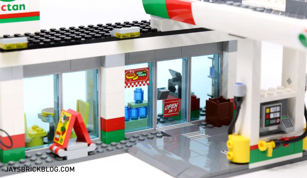 LEGO 60132 Service Station - Storefront
