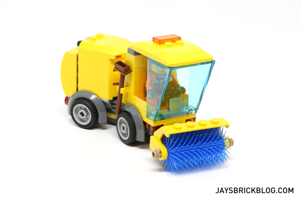 LEGO 60132 Service Station - Street Sweeper