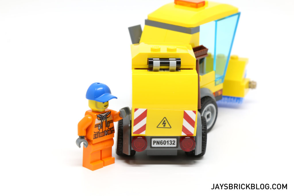 LEGO 60132 Service Station - Street Sweeper Back