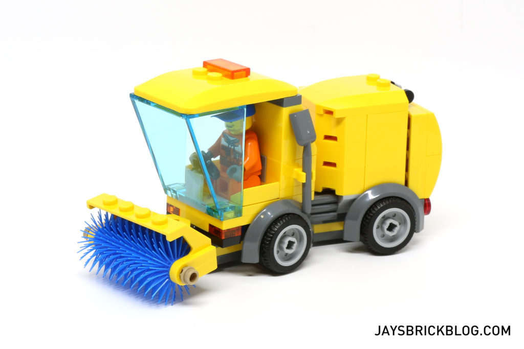 LEGO 60132 Service Station - Street Sweeper Side