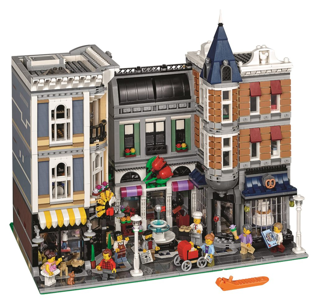 lego-10255-assembly-square-alternate-view