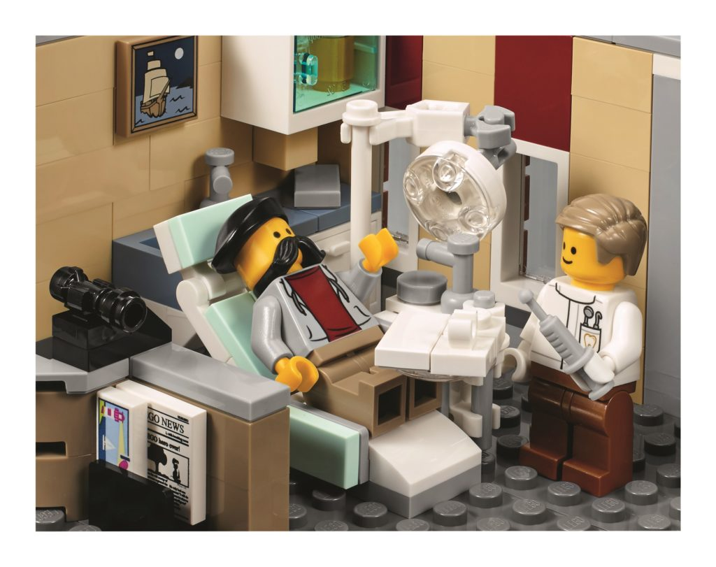 lego-10255-assembly-square-dentist