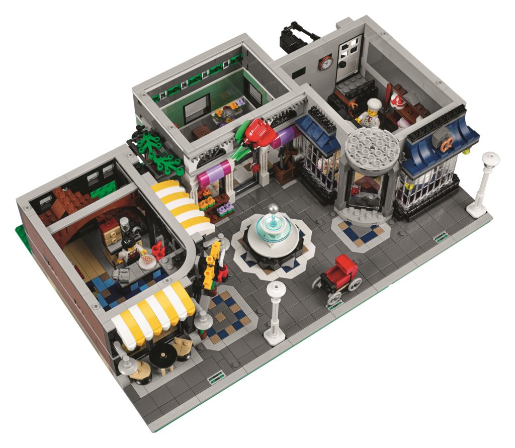 lego-10255-assembly-square-ground-floor