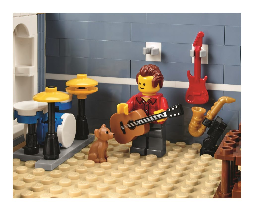 lego-10255-assembly-square-recording-studio