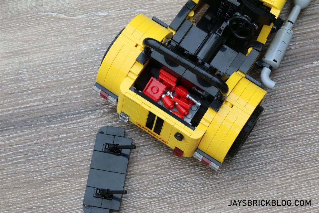 lego-21307-caterham-seven-back-compartment