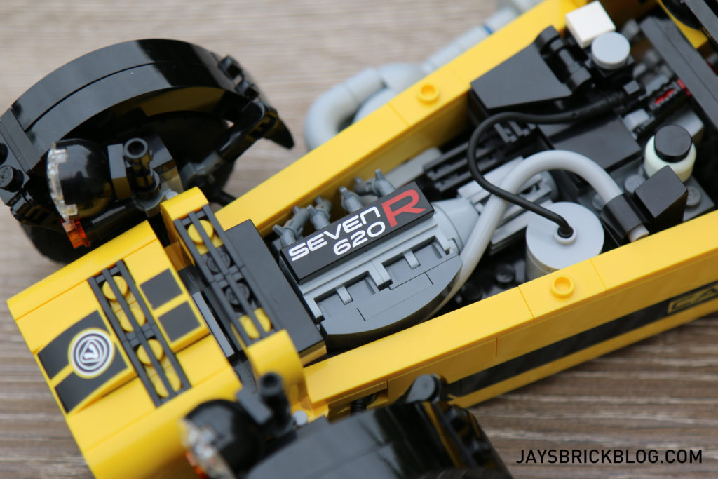 lego-21307-caterham-seven-engine-in-car