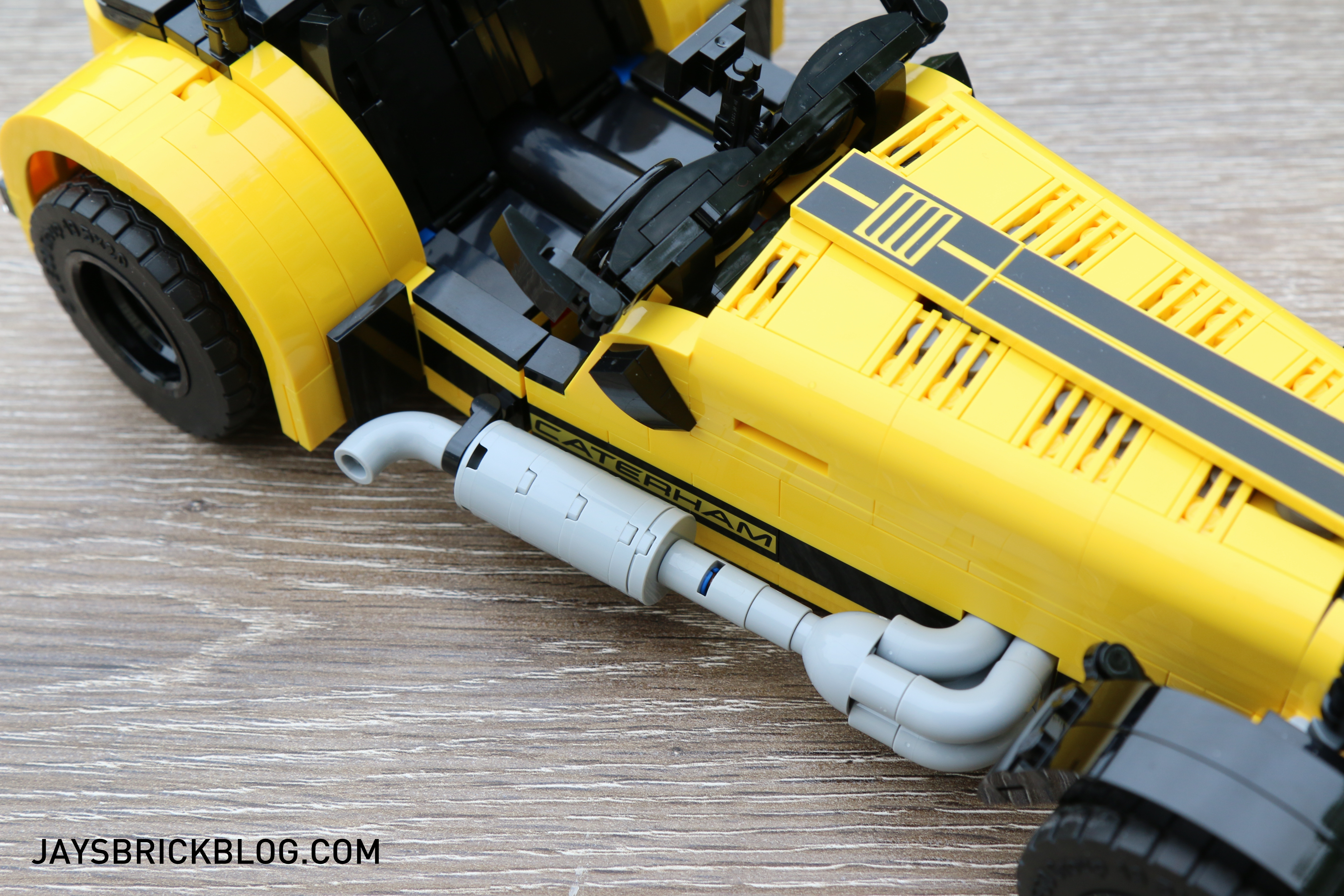 lego-21307-caterham-seven-exhaust-pipe